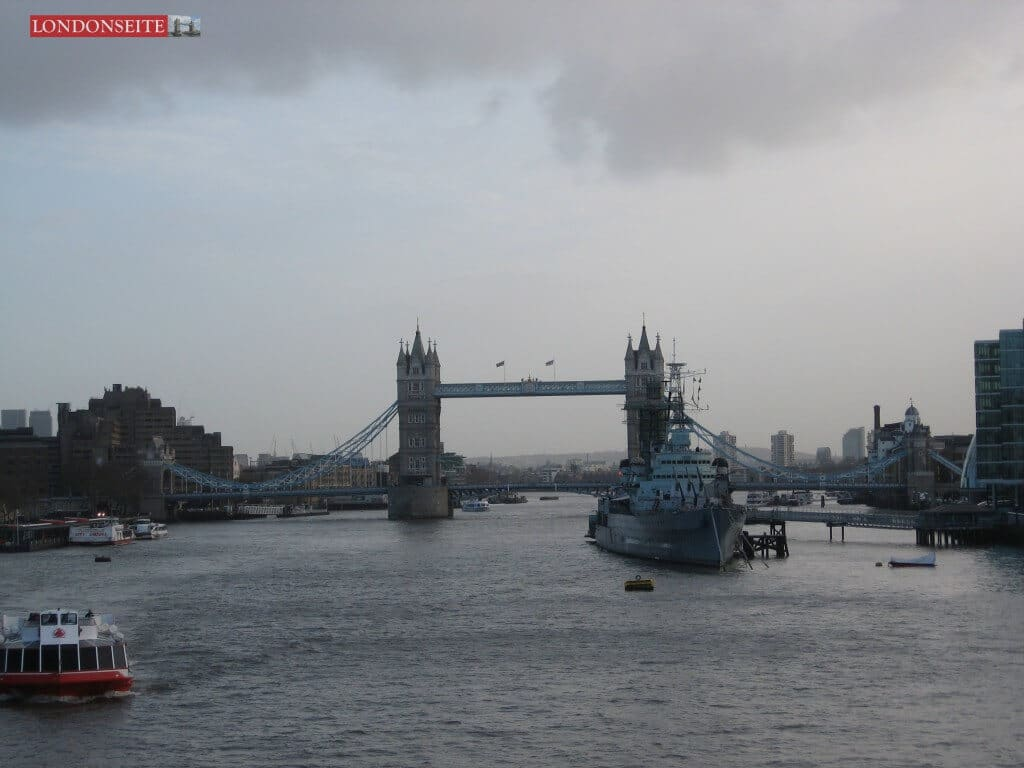 Tower Bridge und HMS Belfast