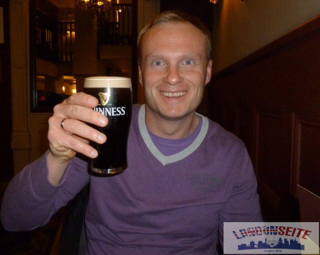 Pub Guinness - London im Winter